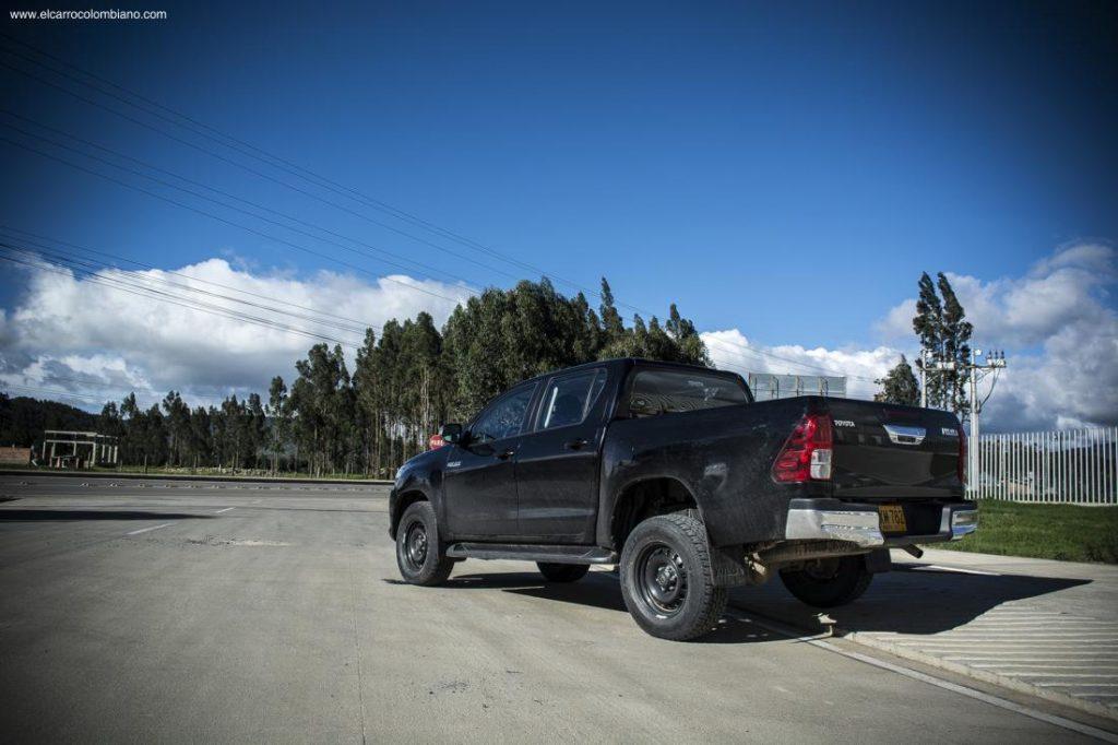Toyota Hilux TC5 2.4 Diésel MT
