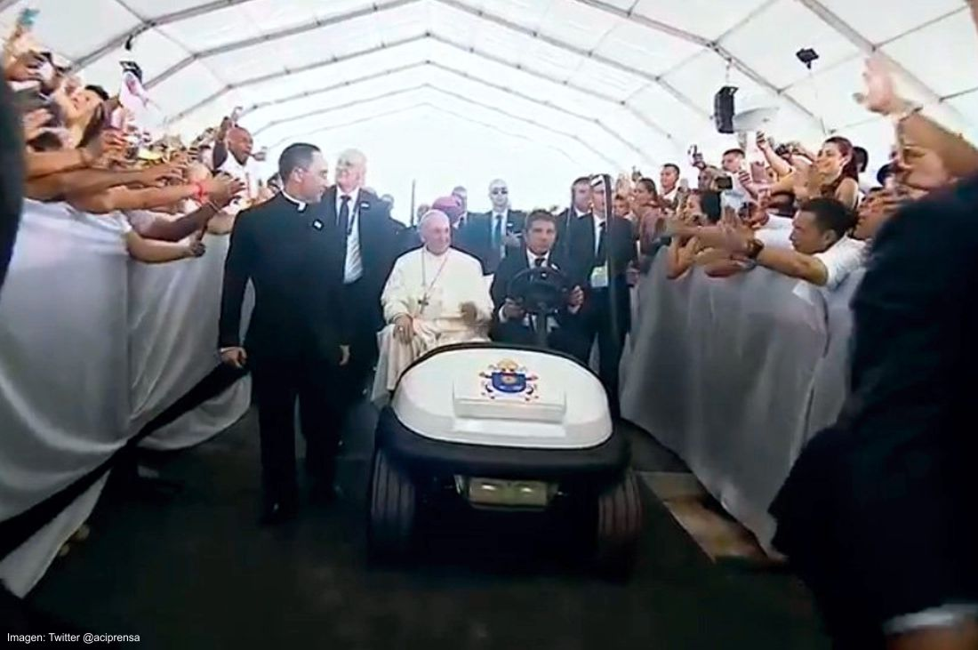 papamovil colombiano, carros del papa en colombia, papa francisco en colombia, el papa en colombia